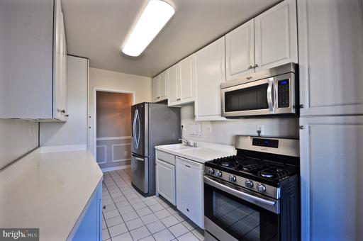 Photo of 6631 Wakefield Dr #803