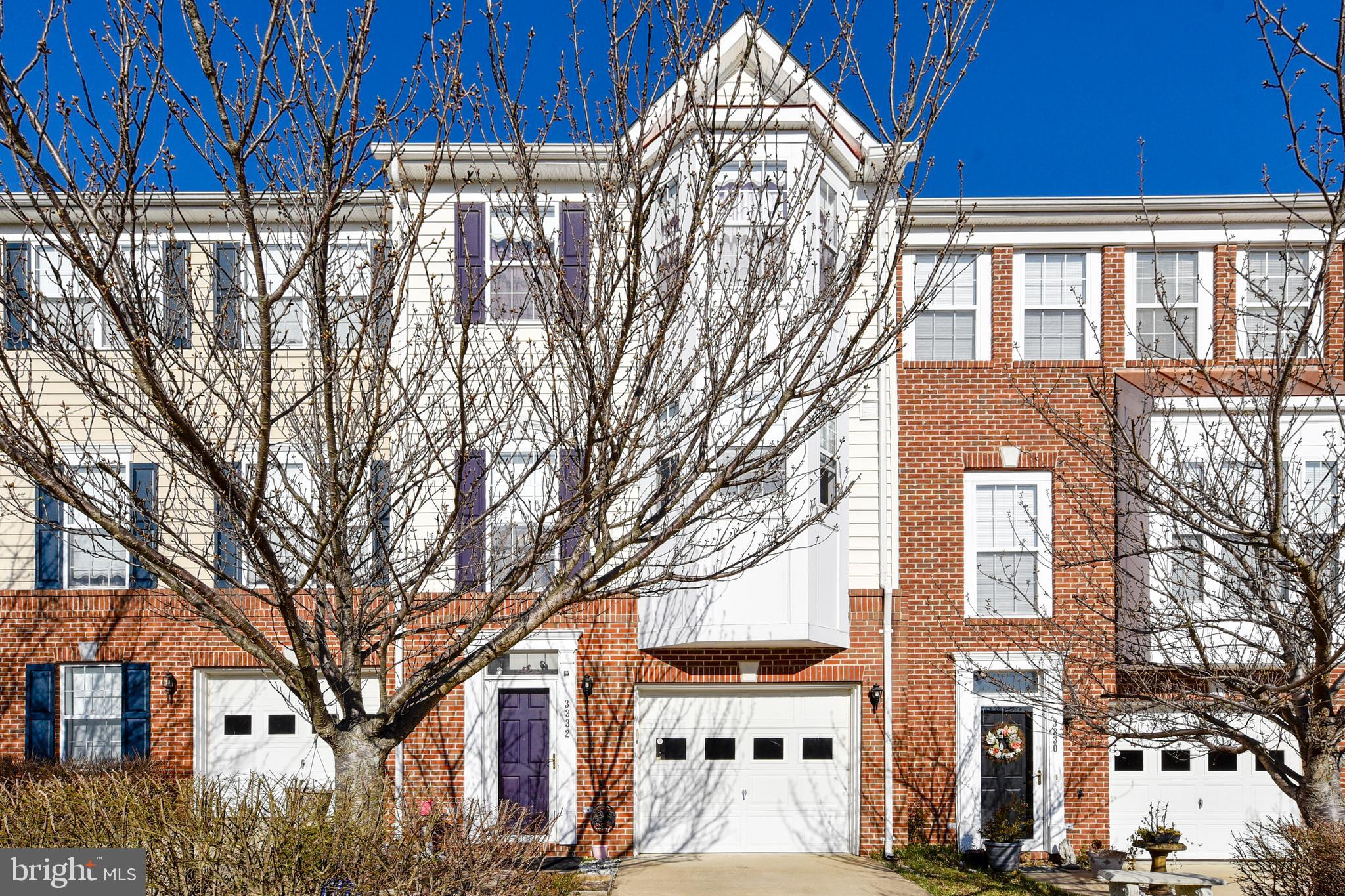 Beautiful, well maintained spacious 3-level garage townhouse. Eat in Kitchen plus formal dining area and huge living room. Master bedroom has attached bath with two sinks, walk-in closet, and vaulted ceiling. Hardwood floor throughout the property.