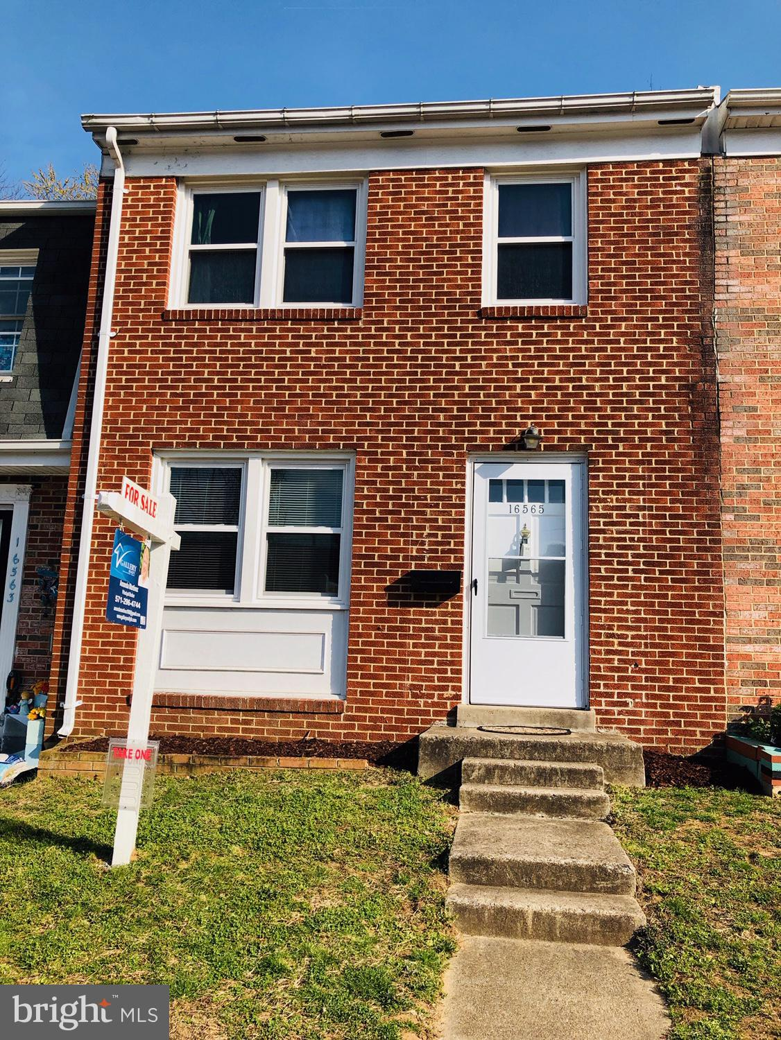 Perfect for first time home buyers or rental income. All Brick TH very well maintained. Excellent location close to I-95, Stonebridge shopping Center, and Potomac Mills. Update kitchen,new carpet. Ready to move in.