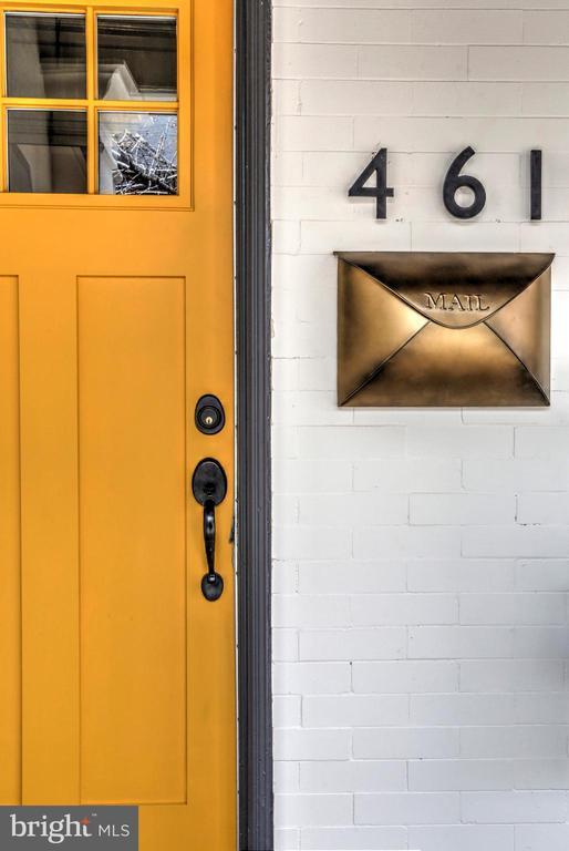 461 W VINE STREET