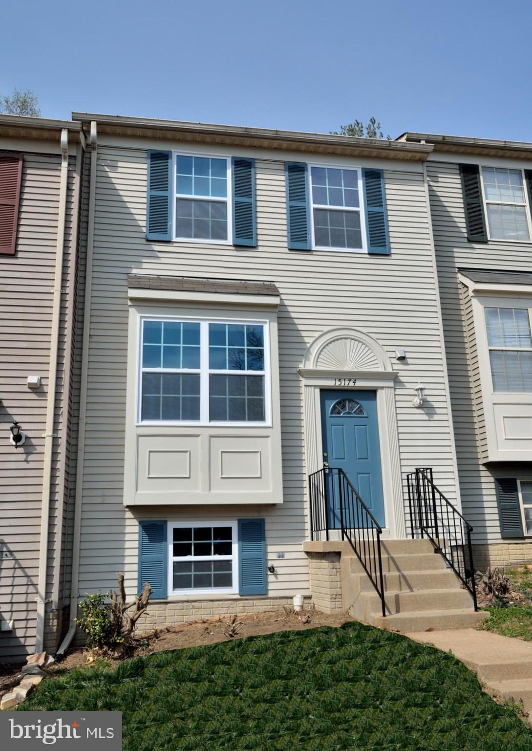 COMPLETELY RENOVATED. NEW AMERICAN CRAFTSMAN ENERGY-EFFICIENT THERMOPANE WINDOWS, WALNUT-STAINED OAK HARDWOOD FLOORING, NEW PORCELAIN TILE FLOORING AND NEW CARPETING. SUNLIT LIVING ROOM WITH BOX BAY WINDOWS AND REMODELED KITCHEN WITH NEW GRANITE COUNTERTOPS, NEW SHAKER-STYLE CABINETRY, RECESSED LIGHTING AND NEW STAINLESS STEEL SAMSUNG APPLIANCES. UPPER LEVEL FEATURES NEW CARPETING AND NEW FULL BATHS. WALK-OUT LOWER REVEALS FAMILY ROOM WITH FIREPLACE, NEW FULL BATH AND 4THBEDROOM/IN-HOME OFFICE. SUNDECK ENJOYS YEAR-ROUND WOODED VIEWS. GREAT LOCATION CONVENIENT TO INTERSTATE ROUTE 95, QUANTICO AND ALL MAJOR COMMUTER ROUTES.