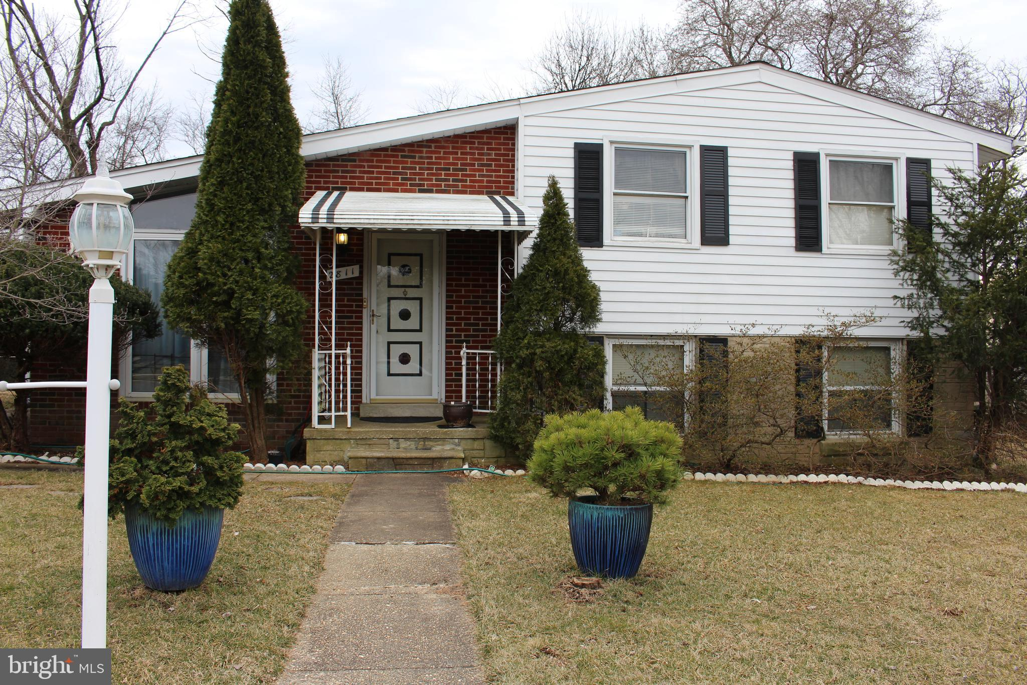 Investors take notice! Priced to sell fast!  Easy renovation in a great neighborhood. Solid bones. SOLD-AS-IS. Cash or conventional.
