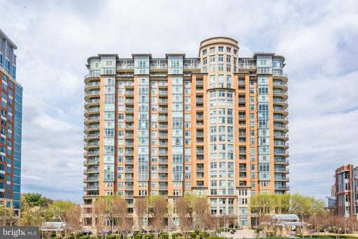 8220 Crestwood Heights Dr #1901 & 1902, McLean, VA 22102