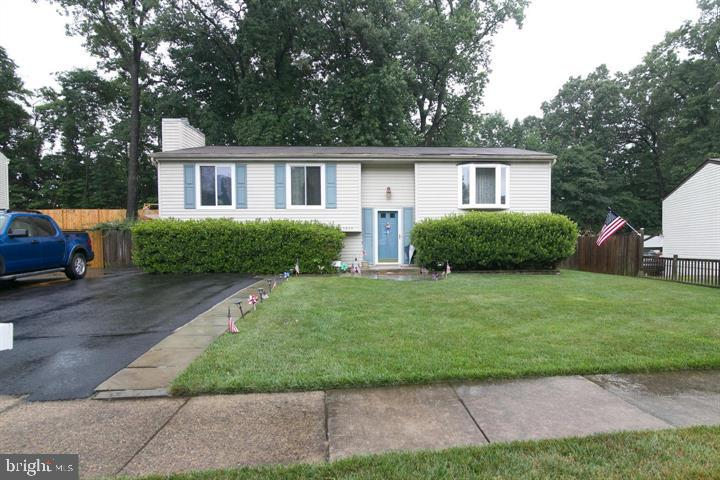 Welcome Home! Lovely Home w/Open Floor Plan! LR, DR and Spacious Kit. on M/L With, Lrg all season room , Lrg. rear yard W/Deck Perfect for Entertaining! U/L boosts Master Bedroom, and Two Additional Bedrooms. LL has Rec Room with 2 add BR, full bath and Laundry/Storage Room! NO HOA!! Close to Ft. Belvoir, Express Lanes, Shopping, Restaurants, Lake Accotink and Much More!