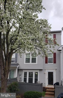 9322 Fringe Tree Ln Manassas VA 20110