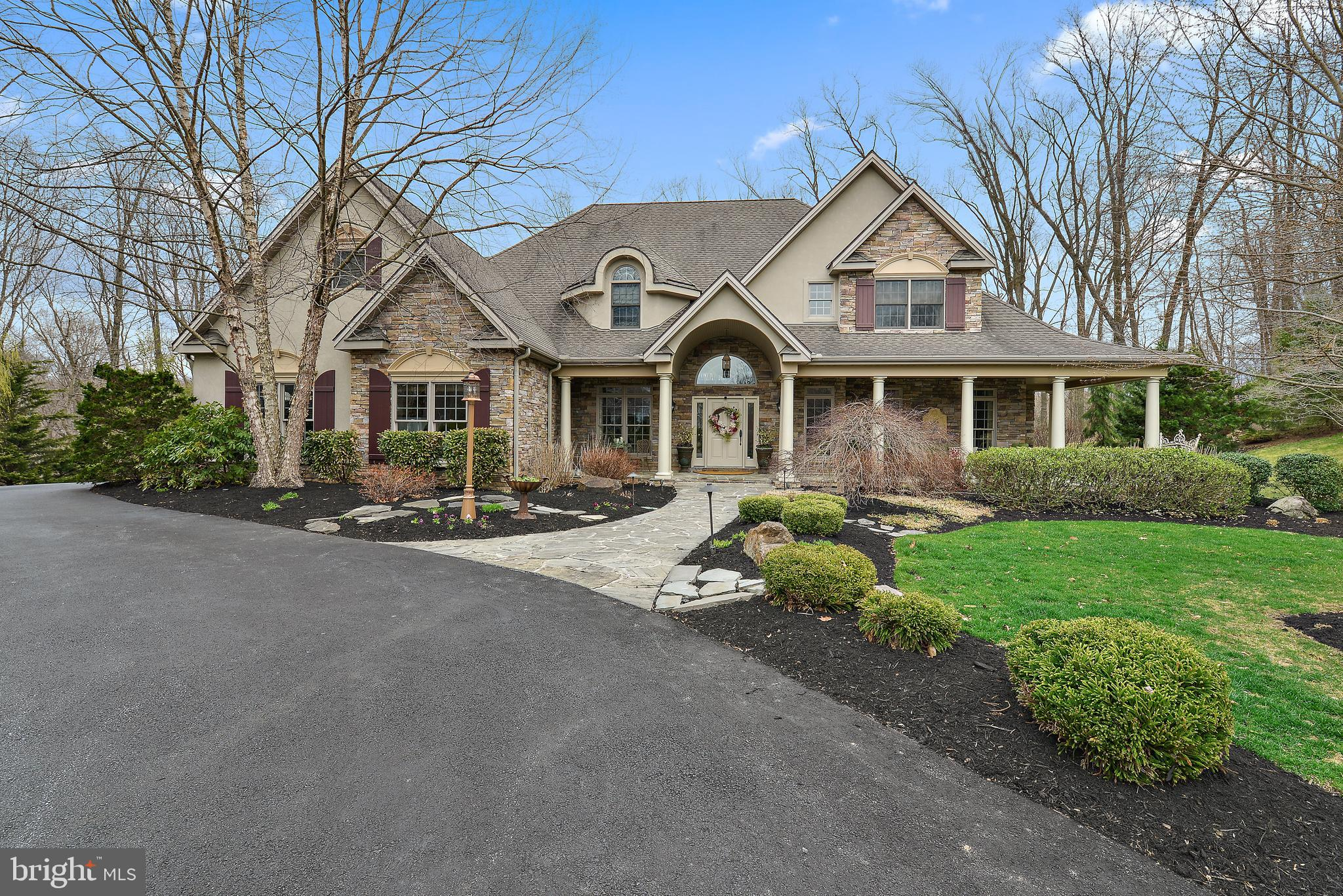 680 MEADOW ROSE COURT, HUMMELSTOWN, PA 17036