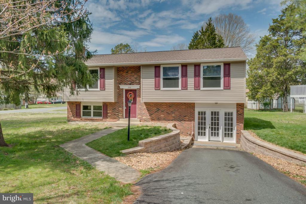 200 RAINTREE BOULEVARD, STAFFORD, VA 22556