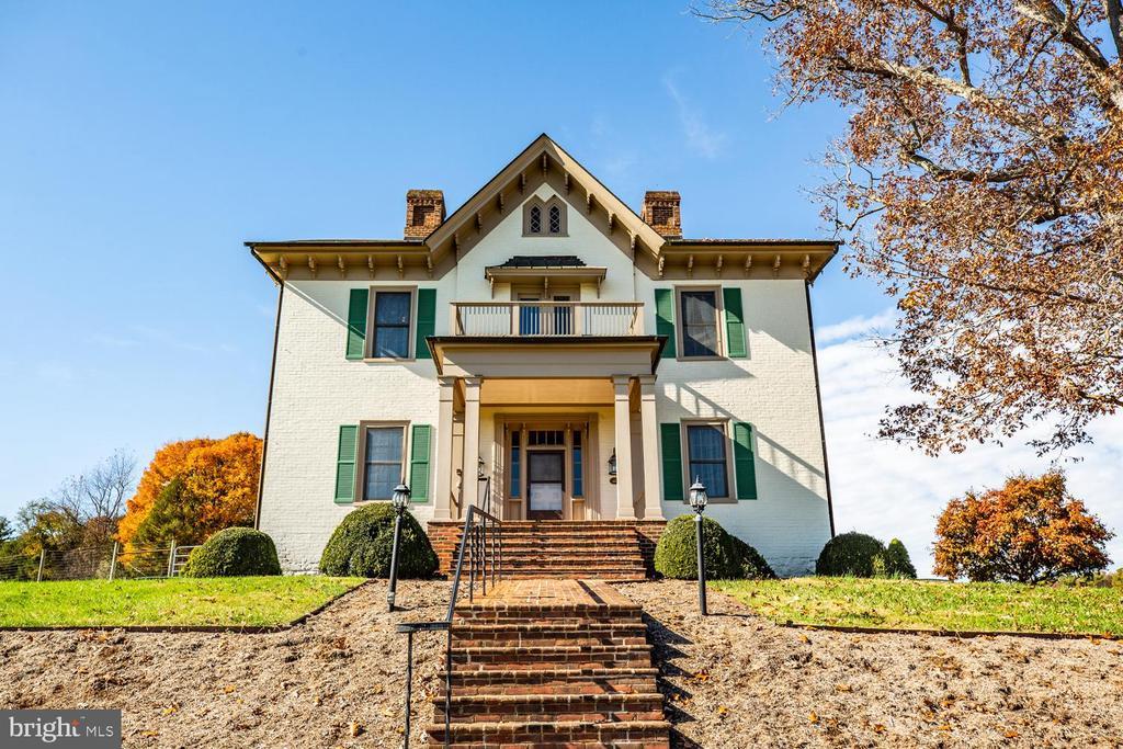 1926 Spring Hill Road, Staunton, VA 24401