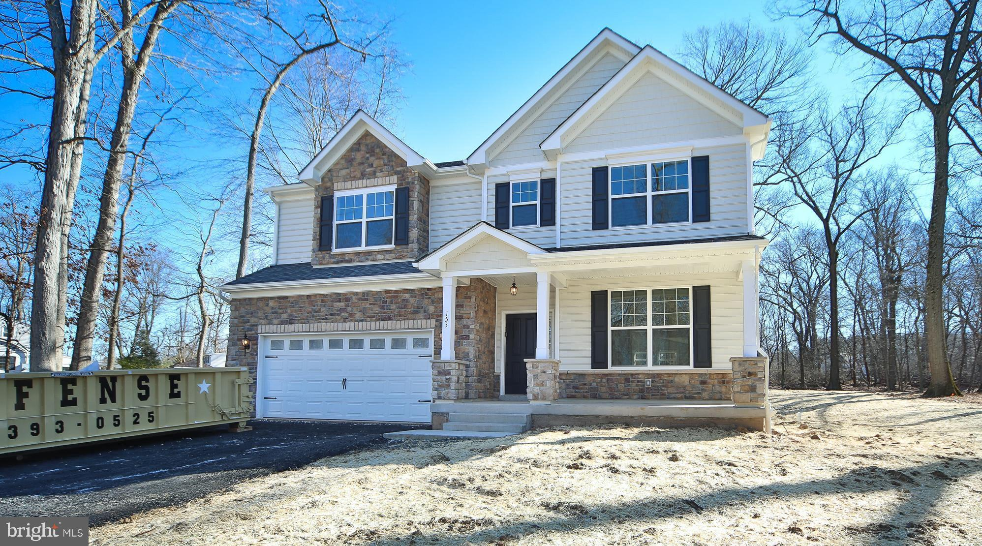 4 PICKERING BEND, LANGHORNE, PA 19047