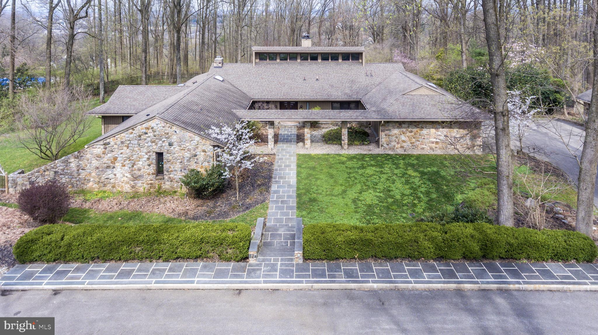 627 HARTS RIDGE ROAD, CONSHOHOCKEN, PA 19428