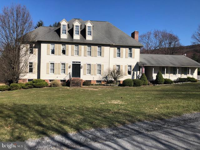 9 WESTWOOD DRIVE, MOUNT HOLLY SPRINGS, PA 17065