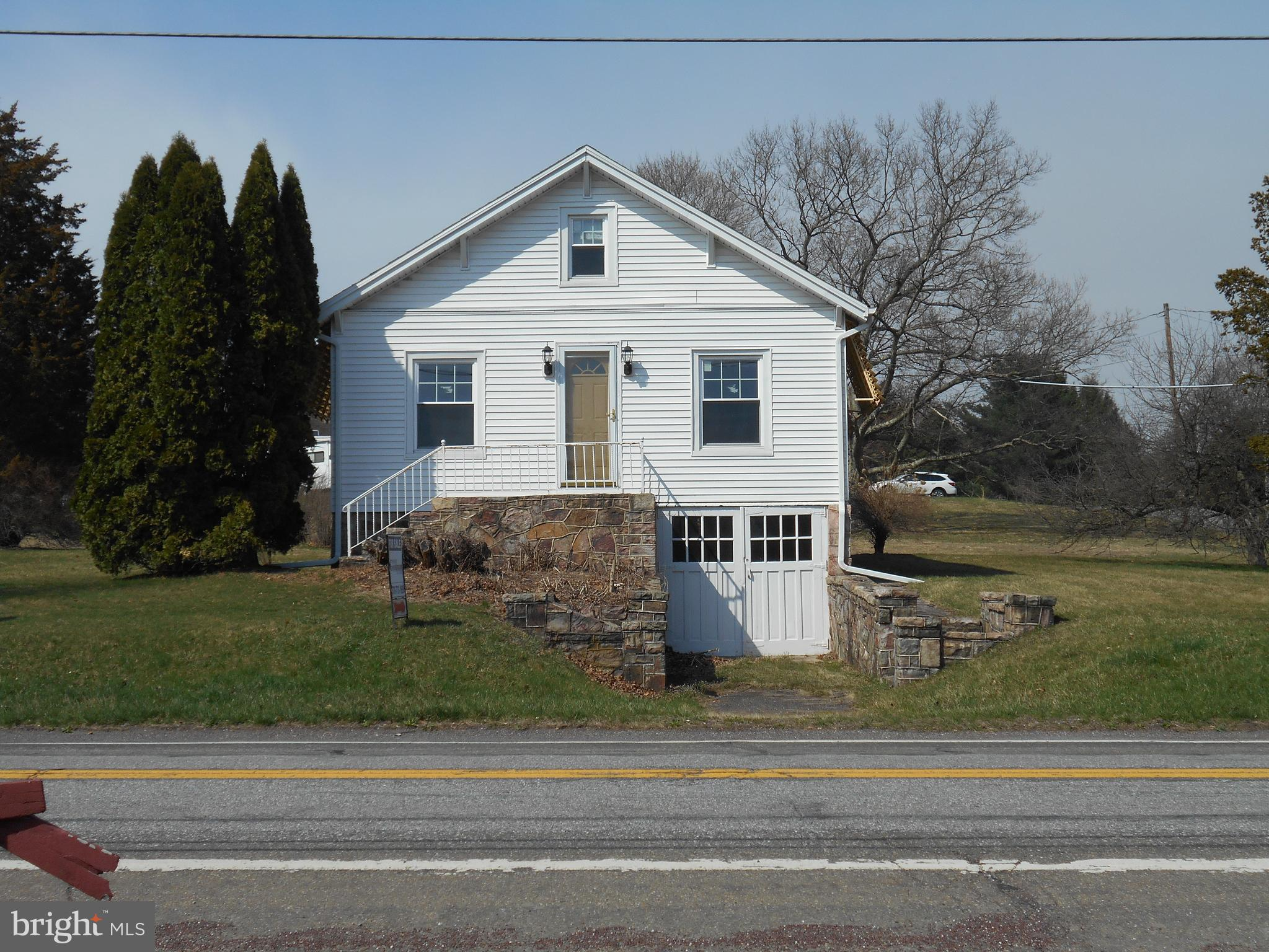 968 BARNESVILLE DRIVE, BARNESVILLE, PA 18214