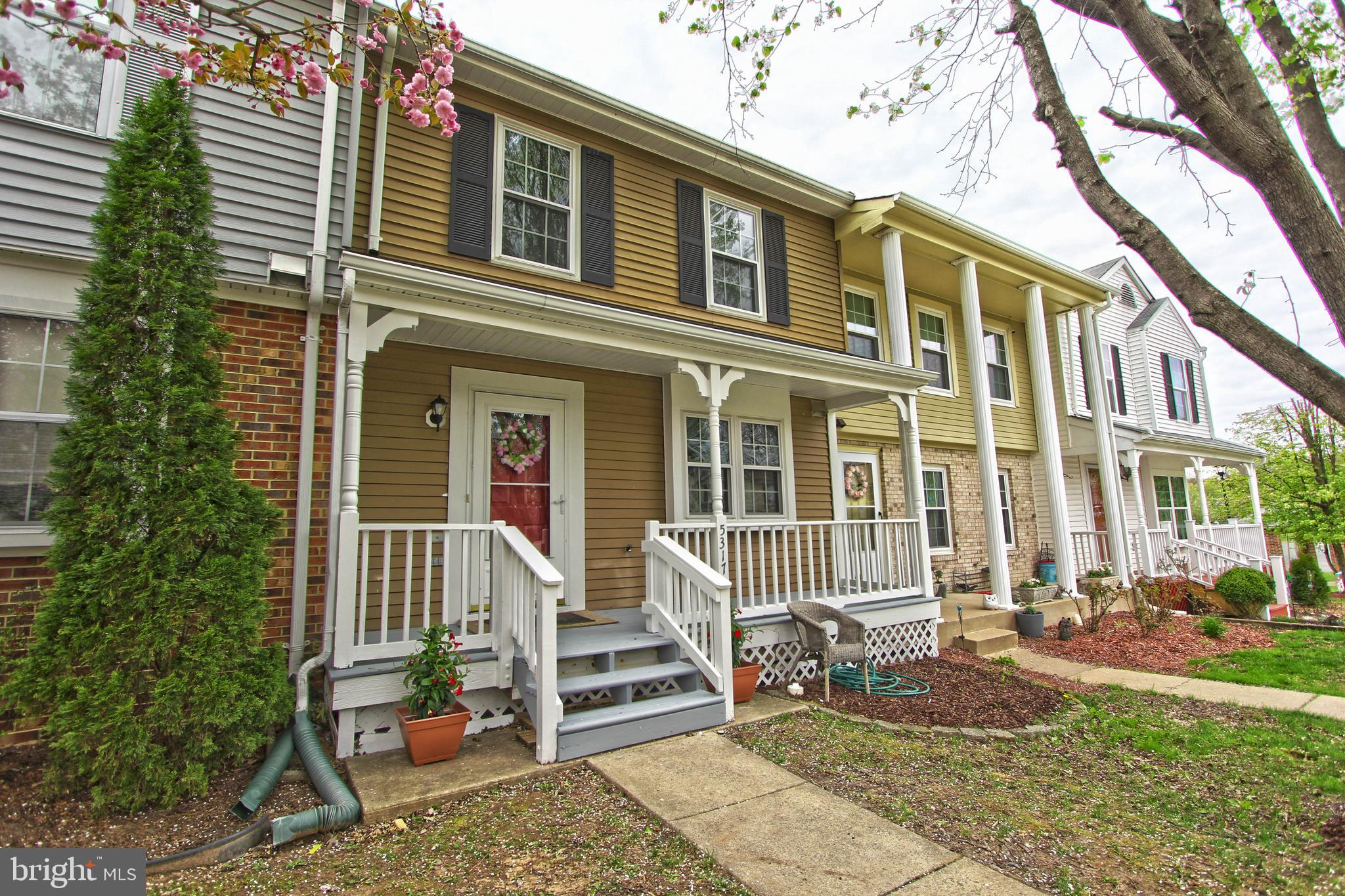 Move in ready spacious town home features three finished levels, 3 bedrooms, 2 full and 2 half bathrooms. NEW roof, NEW HVAC, NEW Washer & Dryer, NEW Water Heater, NEW gutters, NEW interior paint, NEW carpet. Stainless Steel appliances, gas cooking, gas fireplace. Desirable neighborhood w/ plenty of open space. Close to I-95, 234, shopping, restaurants & parks!