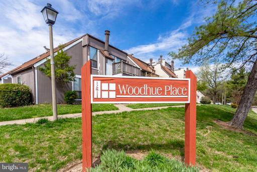 3905 Woodhue Pl #14