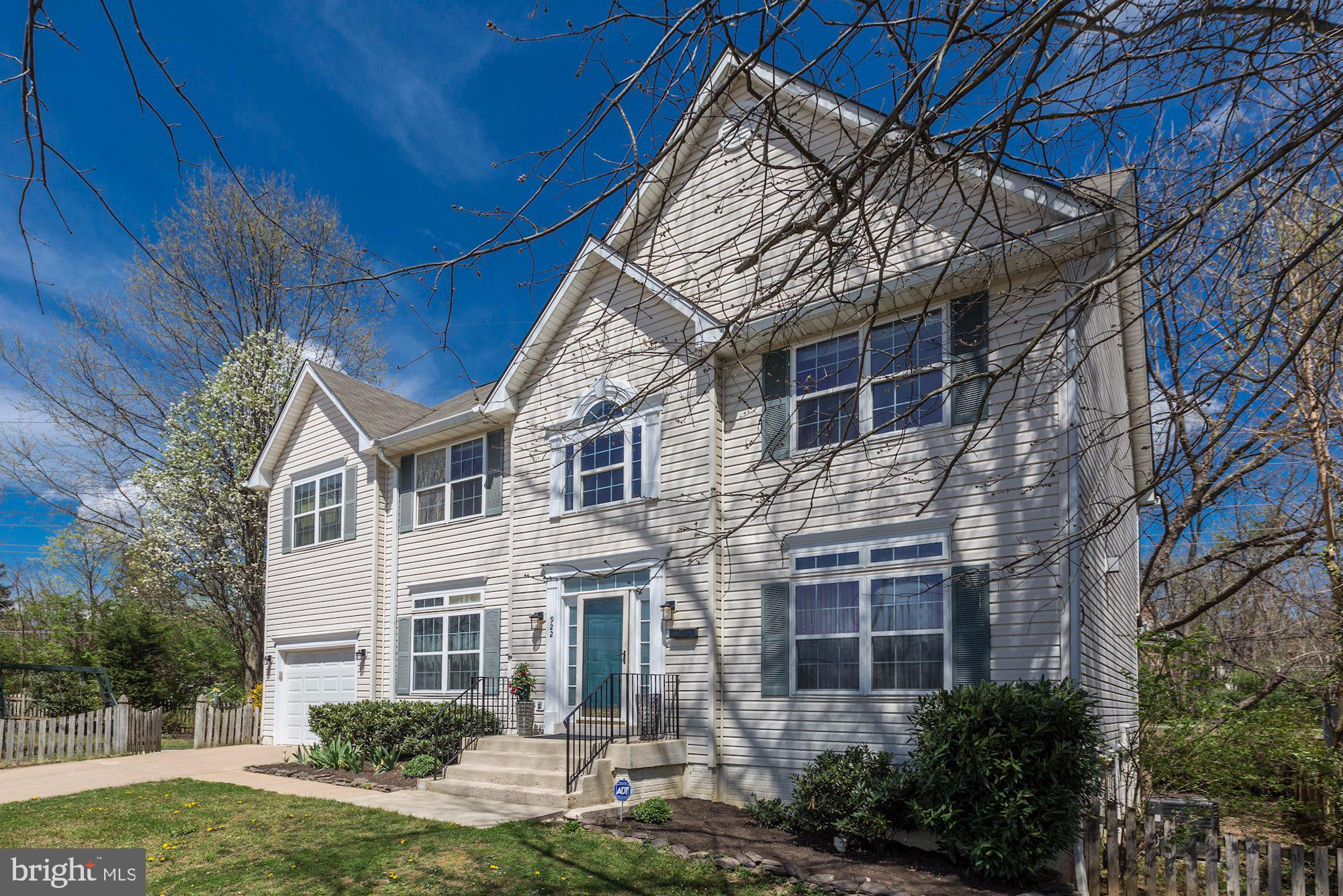 922 PARK AVENUE, FALLS CHURCH, VA 22046