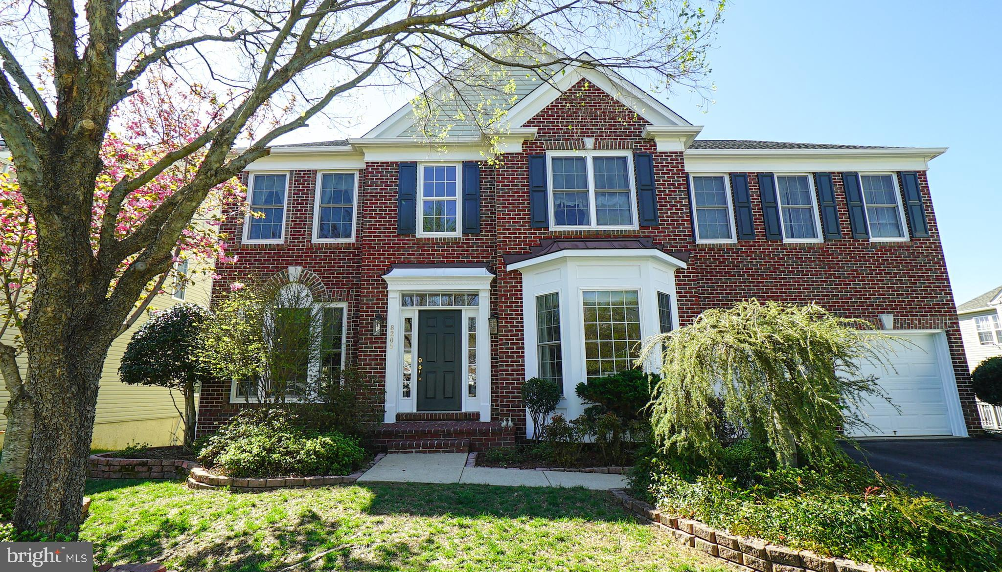 Hugh Price Reduction! Stunning Monterey Model in desired Cul-de-Sac. Formal Living room & Dining room, Library, Gourmet kitchen opens to Sunroom & huge Family room with fireplace. Large Master Bedroom with sitting area, luxury bath & huge walk-in closet.
