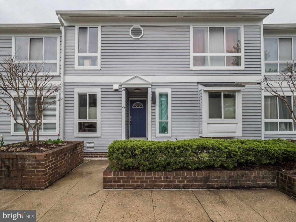 Park Place Gated Community - Close to Metro, Cathedral, Several Hospitals-Hospital Center-Childrens_VA, Several colleges, Howard-Catholic-Trinity. Includes garage parking, outdoor patio, sunfilled exposure east and west and community pool. Move in and just hang your pictures.