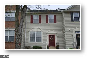 "Price Improvement - Now only $499,900!!!  NEW paint, carpet and SS appliances!!!  This beautiful 3BR/3.5BA Townhouse in highly sought after Kingstowne is perfect for a first time home buyer!  Hardwood floors throughout the main level.  Kitchen boasts granite counter-tops and includes a large island with stool seating.  Large ""Trex"" deck off kitchen, great for entertaining.  Master bath includes a spa tub and separate shower. Fully finished basement w/ den or bonus room w/ walkout access to brick patio enclosed in fenced-in backyard.  Two assigned parking spots (150 and 151).  Please use visitor parking spots when showing.  Community amenities include pools, gyms, tennis courts, club rooms, playgrounds, and a running/biking path.  Close to Franconia/Springfield Metro and easy access to interstates 95/395/495."