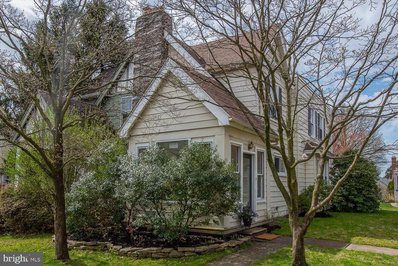 2152 Chestnut Avenue Ardmore, PA 19003