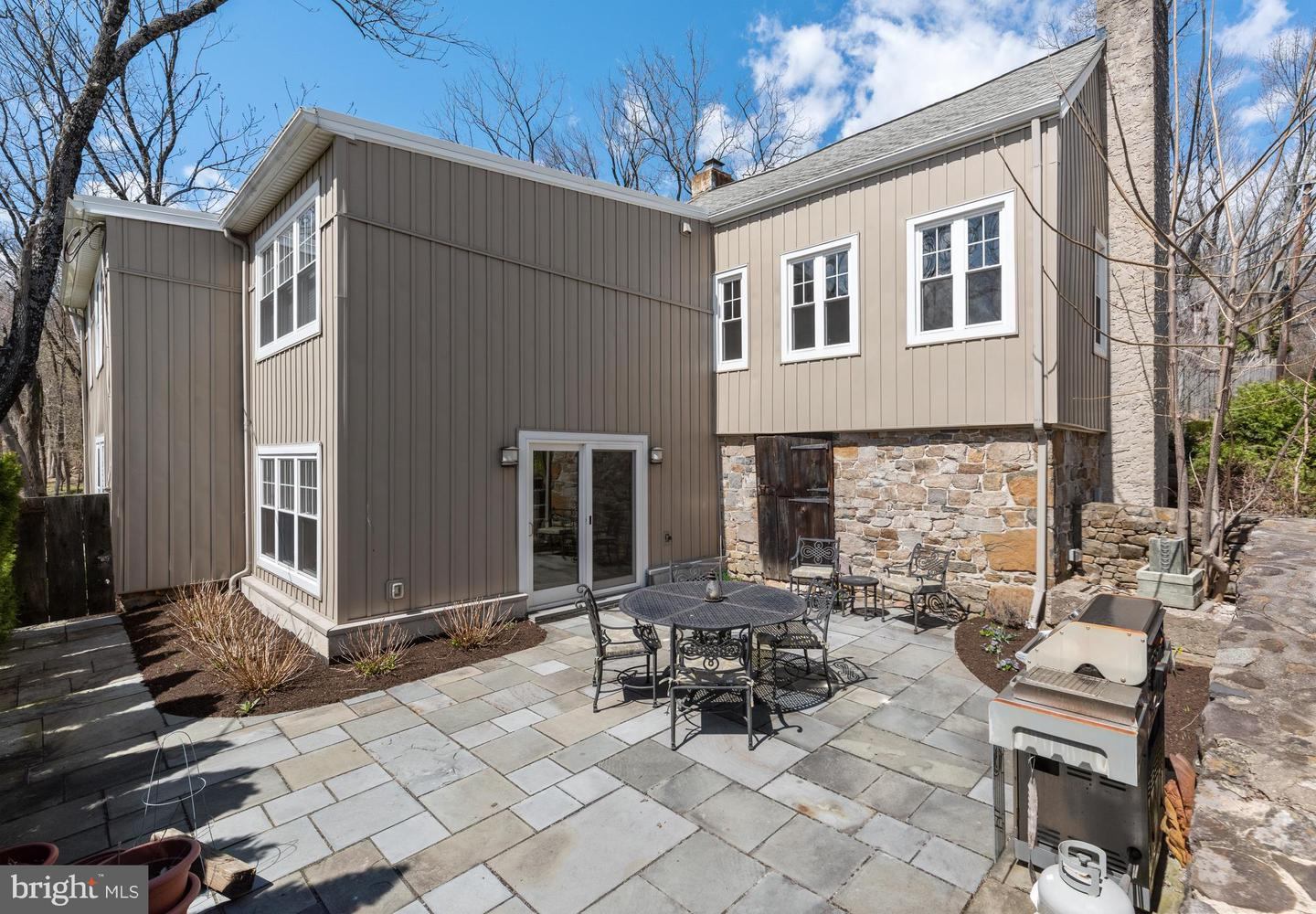 1225 EAGLE RD, NEWTOWN, PA