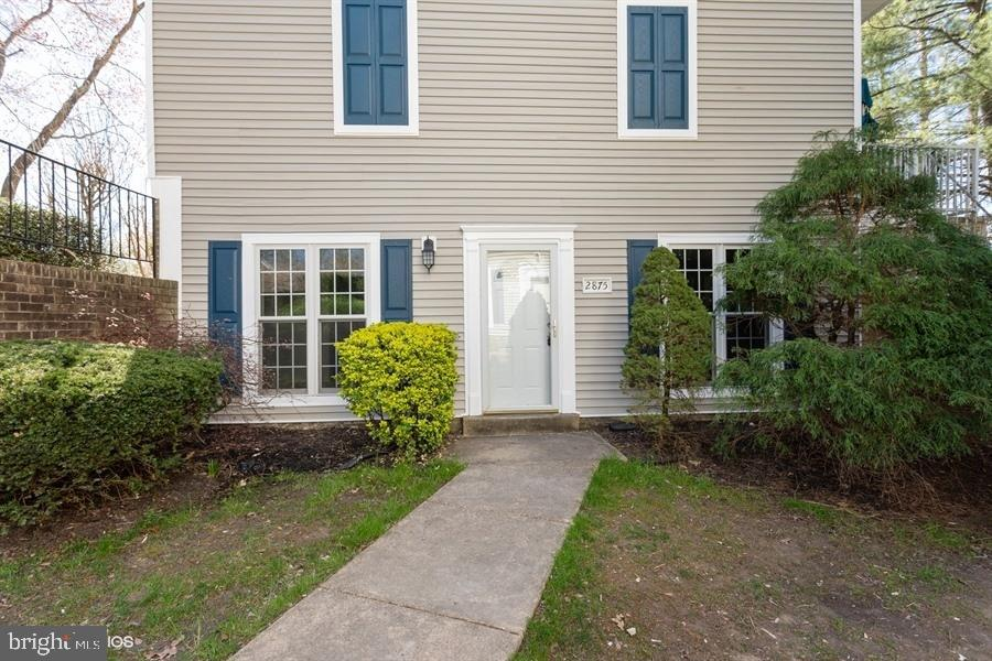 Fannie Mae Property; Great opportunity to buy a condo-Garden Style in a desirable Location!  this property its very favorable and ready for the new buyer to just move in; freshly painted, new carpet, kitchen cabinets painted and new appliances. Easily accessible to the essential services of shops, schools and restaurants. A realistic price for this location! Feel free to contact us by calling, texting or emailing for any questions. Submit offer trough homepath site.