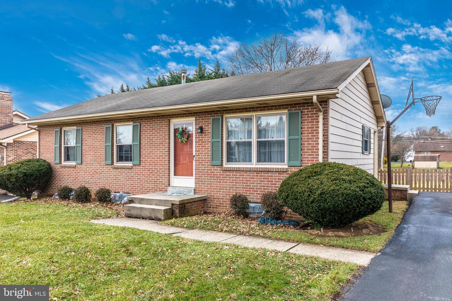8210 Lookout Ln Frederick MD 21702