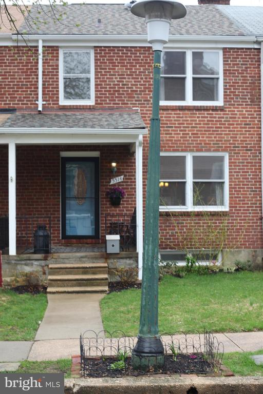 Motivated Sellers- 3 BR/2FB home, features stainless steel appliances, back slash, hardwood floors throughout, fully finished basement, recessed lighting, fenced yard. This home shows pride of ownership. VA or Conventional Only
