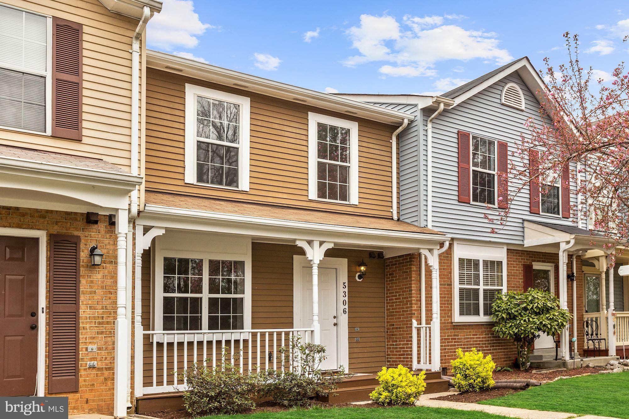 This 3 Bed/2.5 Bath townhouse is move-in ready and features an open living space with updates throughout and a wonderful fenced in backyard. This home is highlighted by the sun-filled eat-in kitchen offering granite counters, stainless steel appliances with gas cooking, and tile floors. The spacious living/dining area offers hardwood floors, access to the convenient main level powder room, and walk-out to the fenced-in backyard. The upper level is complete with a master suite and two additional bedrooms, all with wall to wall carpet, ceiling fans, and ample closet space. This home is located close to plenty of shopping and dining options and provides easy access to 95.