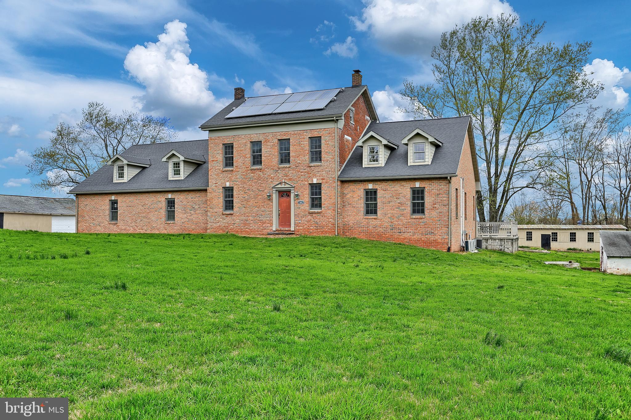 6851 LINCOLN HIGHWAY, THOMASVILLE, PA 17364
