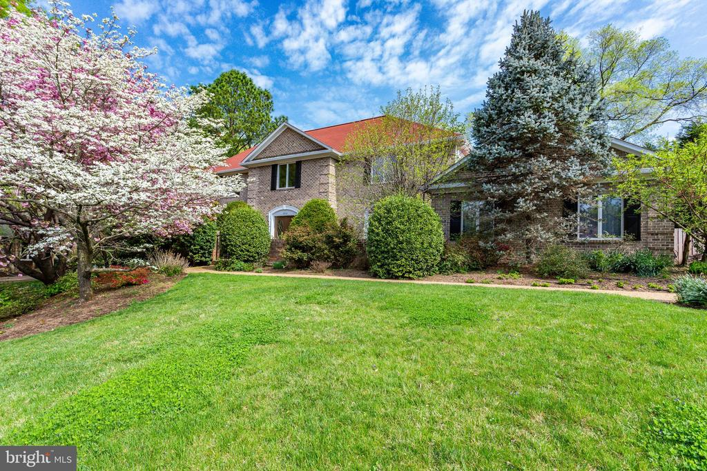 6802 Langley Springs Ct