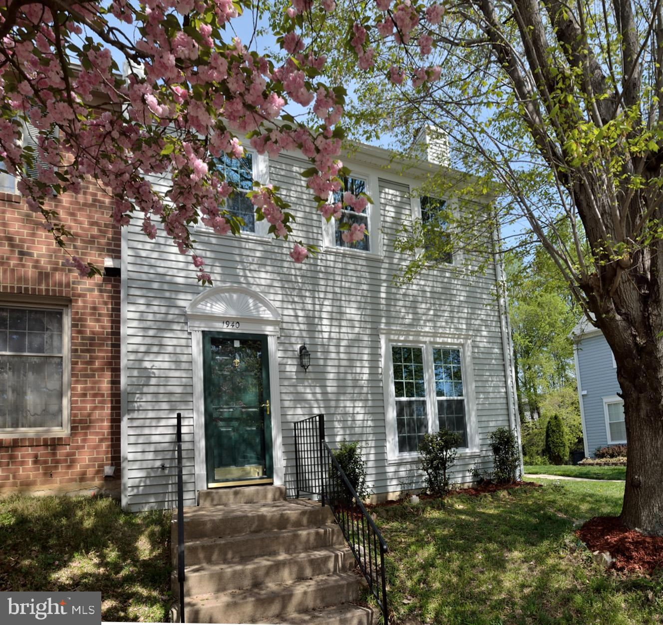 Here's a great Renovated end unit , Move In Ready! Quick settlement! 3 Fin Level TH w/3 BR/3.5 BA! All new Kitchen w/new counter tops, SS appl, New windows,  loads of cabinet space! All new flooring and fresh paint thru out! LR & DR area's on Main Level, Large Mstr Suite & Full BA w/soaking tub/shower! It features a huge fenced level lot backing parkland and tot lot.