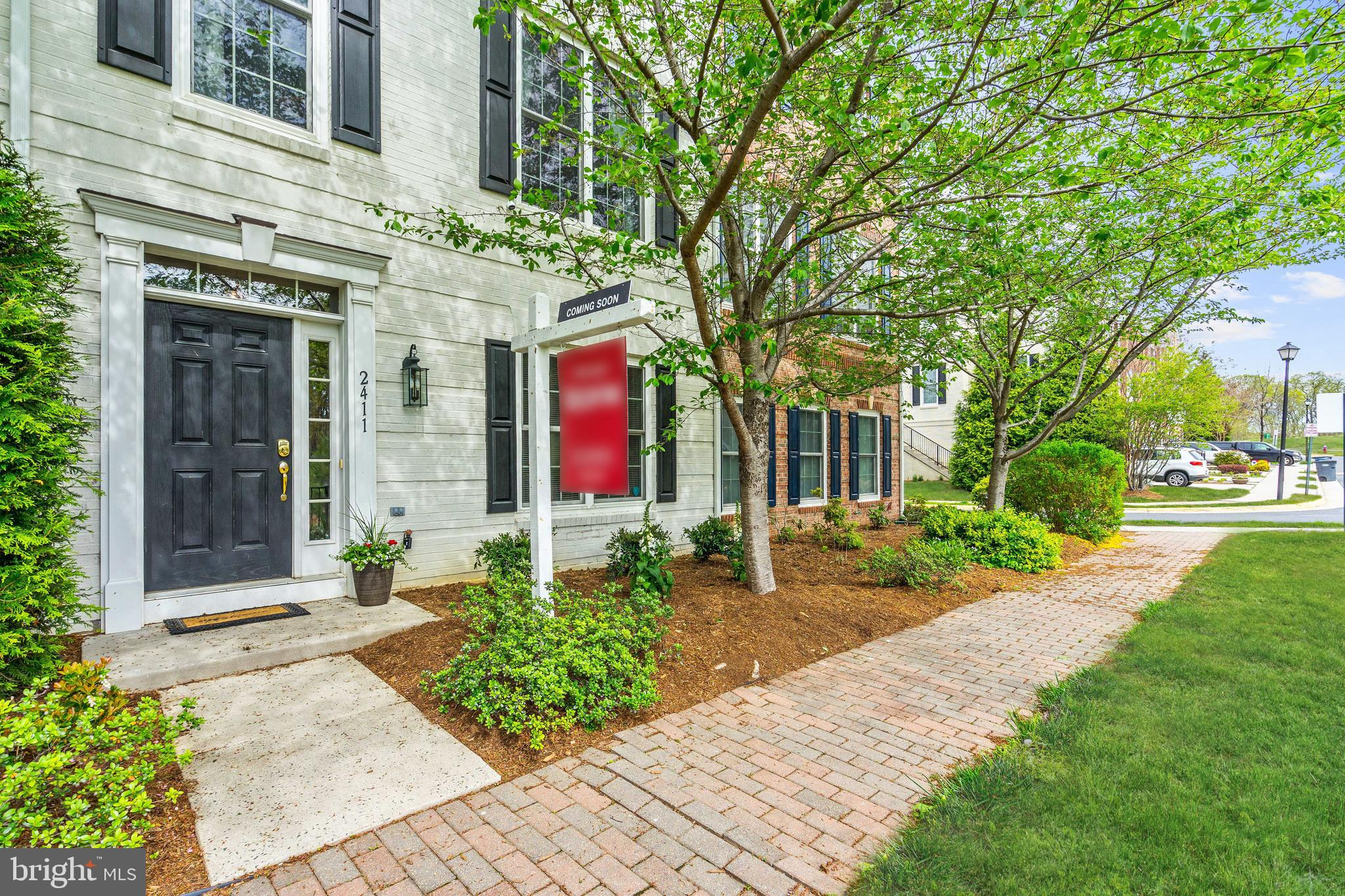 Welcome to the PAVILIONS AT HUNTINGTON. This 3 level, 4 bedrooms 3.5 baths 1842 sq. ft. the townhouse is very nicely appointed and has an oversized 2 car garage! A short distance to Huntington Metro or Minutes to I-95/395/495. Hardwoods on main! Kitchen has granite, stainless appliances (gas range) and cherry cabinets! Master suite features tray ceiling, soaking tub, double vanity, and separate shower stall! Fireplace that joins dining and living space!