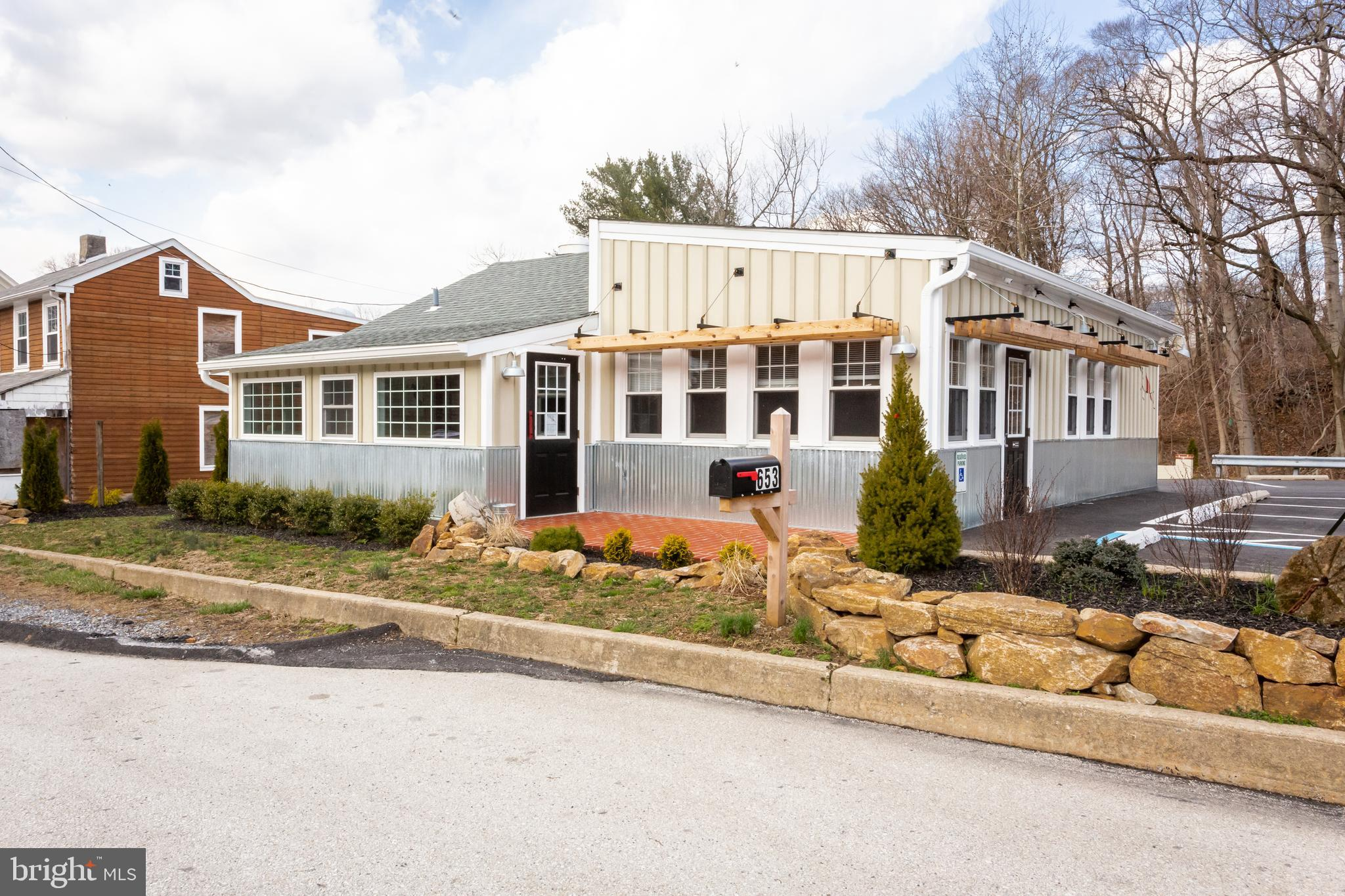 653 DOWNINGTOWN PIKE, WEST CHESTER, PA 19380