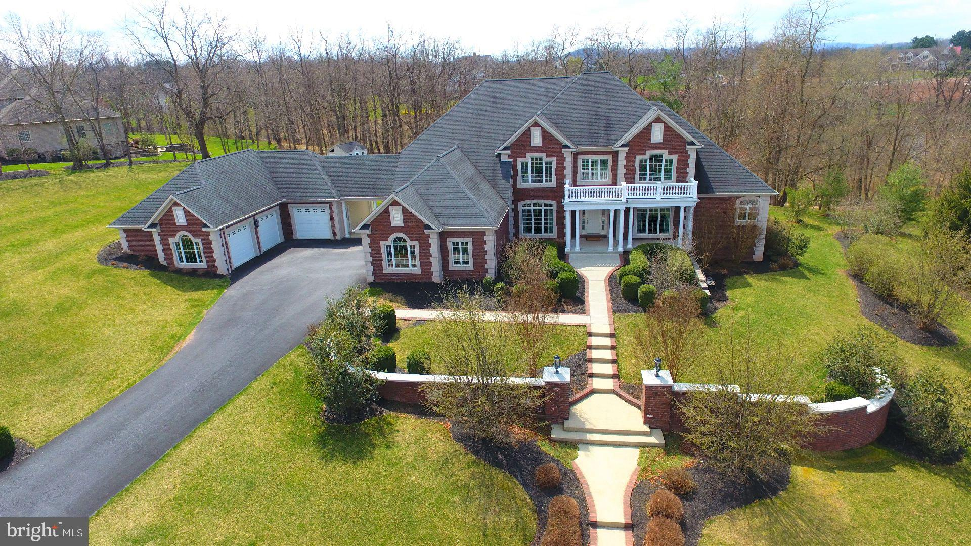 105 TURTLE HOLLOW DRIVE, LEWISBERRY, PA 17339
