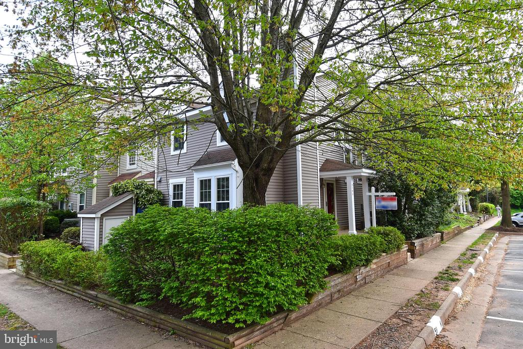 5963 Havener House Way