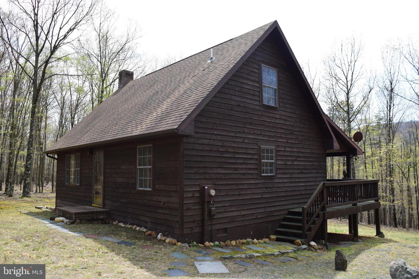 120 Rural Retreat Ct Great Cacapon WV 25422