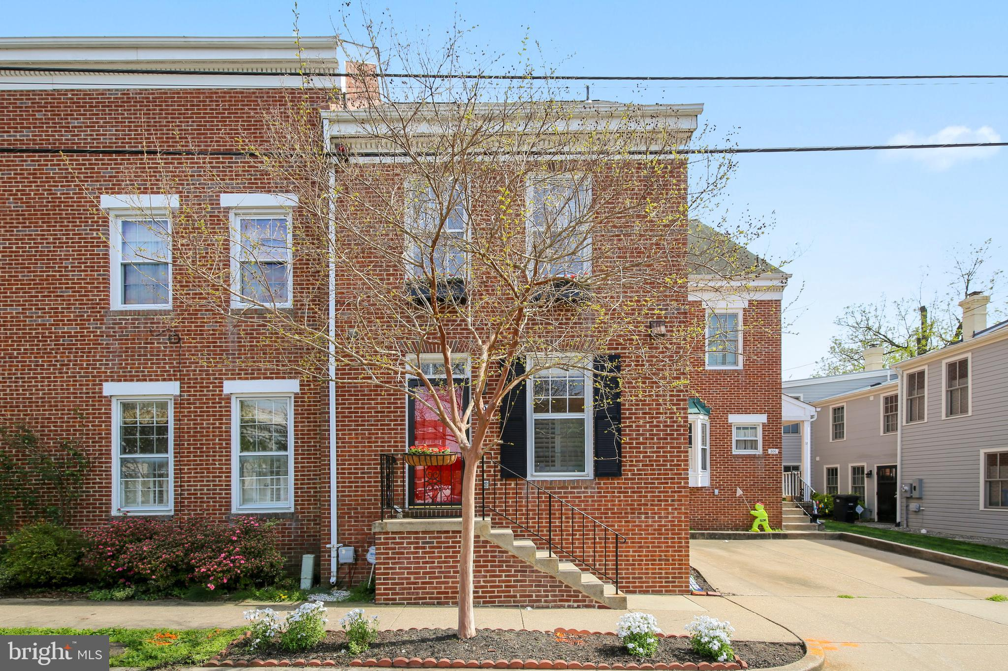 Just Listed!  Open House Saturday 4/20 ~2-4pm and Sunday 4/21 ~1-4pm.  Beautifully renovated, classic red brick townhouse in the heart of Old Town. This well appointed, pristine, 3 level, 1900 sq ft home offers a smartly updated cooks kitchen complete with quartz countertops, top of the line cabinets, all stainless appliances & 12x24 porcelain tile floor opening up to an expansive living & dining area with 12 ft ceilings, wood burning fireplace & a double set of french doors opening to a private, fenced slate patio made for entertainment. Also featuring a sunny, south facing master bedroom & attached master bath w/custom marble shower & counters. The 2nd full bath offers a relaxing soaking tub & the much desired powder room is located on the main floor. Original & beautifully maintained hardwood floors are found throughout. The generously sized, floored attic offers loads of storage. Ideally situated on a quiet cul-de-sac w/private driveway just 1 block to King St with all the fun of the unique shops & restaurants. Located in the Lyles Crouch Elementary School District & just around the corner from King St Metro, Whole Foods, Route 1, GW Parkway & 495.  You will love this home!