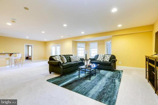 5282 Meadow Estates Dr, Fairfax 22030