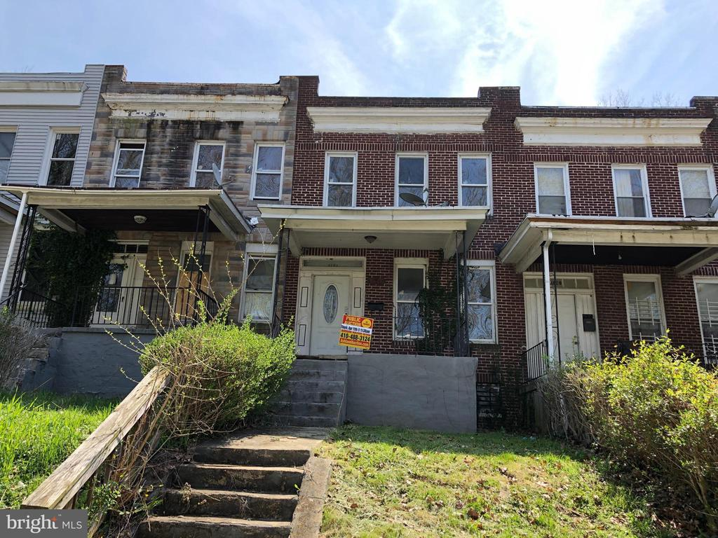 ONLINE AUCTION: List Price is Suggested Opening Bid. 2 Story Townhome in Winchester. Property is Vacant. No Buyer's Premium. Deposit $2,000. For full Terms and Conditions contact auctioneer's office.