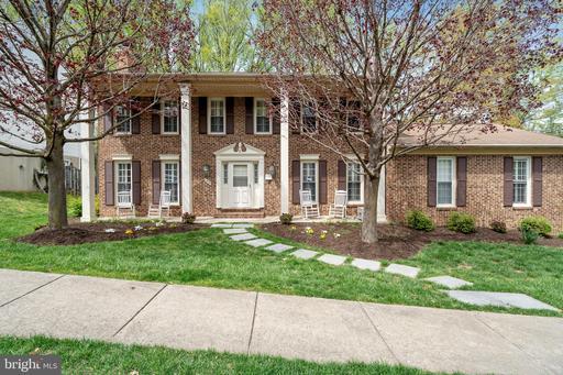 9822 Five Oaks Rd Fairfax VA 22031