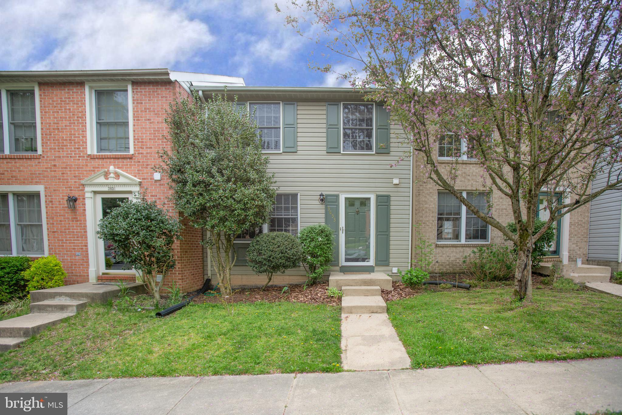 Wonderful 3 level townhome with large, fenced back yard on cul-de-sac. New Roof, updated appliances, granite kitchen, water heater and HVAC installed within the last 3 years. Notable features include walkout basement, walk-in closet, upgraded carpet, large master suite, and more.