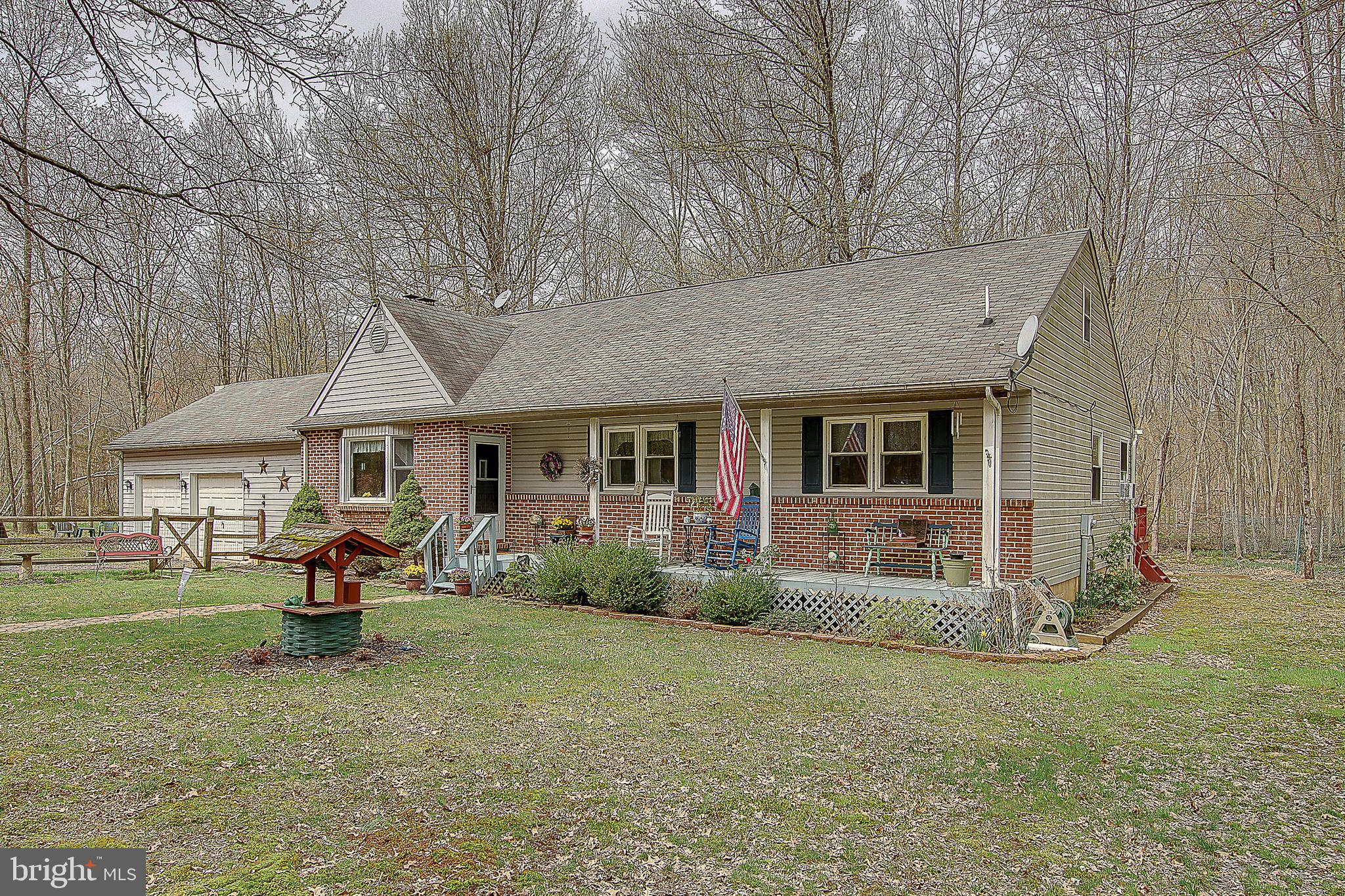 899 LONELY COTTAGE ROAD, UPPER BLACK EDDY, PA 18972
