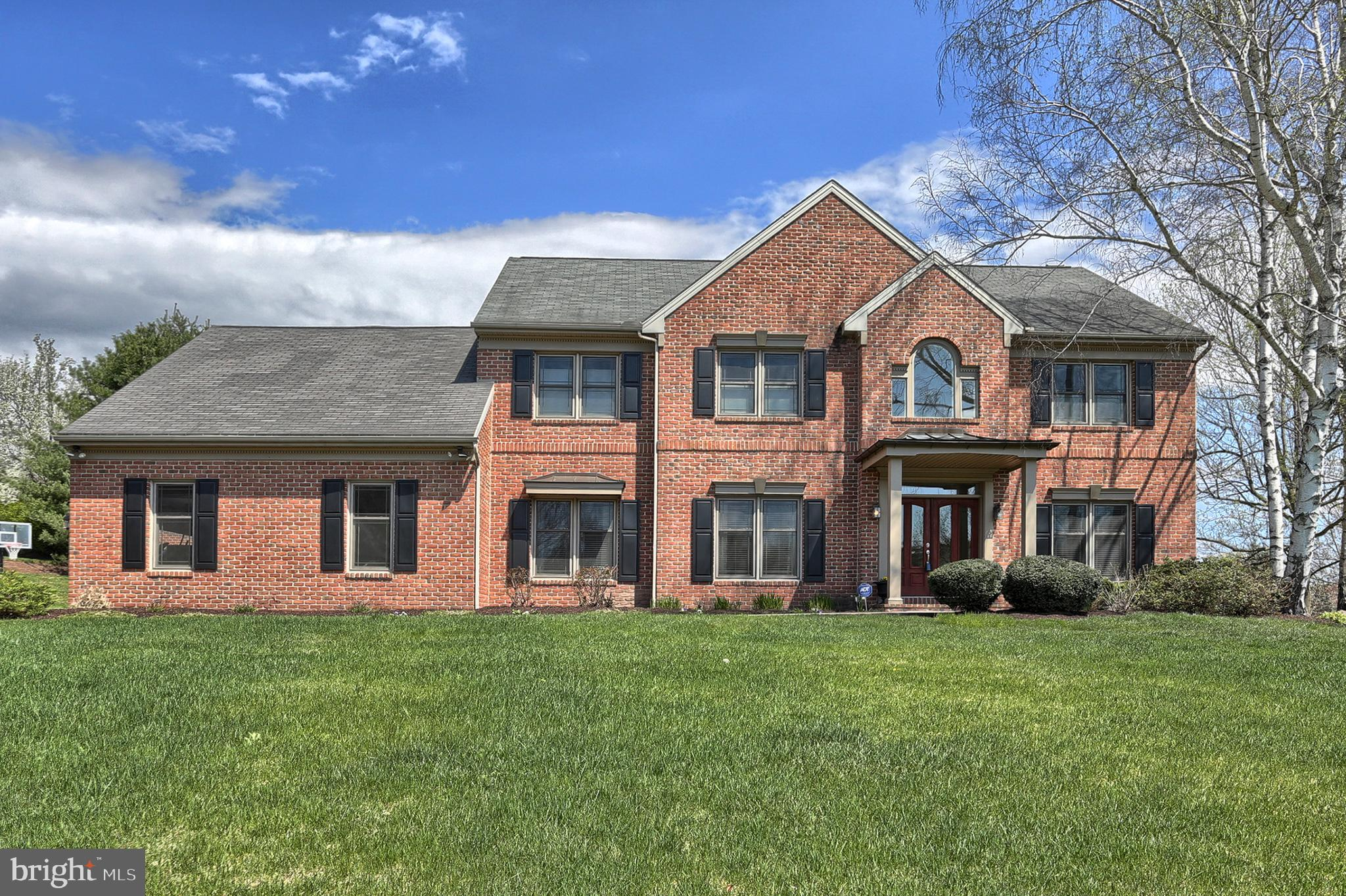 717 CRICKET GLEN ROAD, HUMMELSTOWN, PA 17036