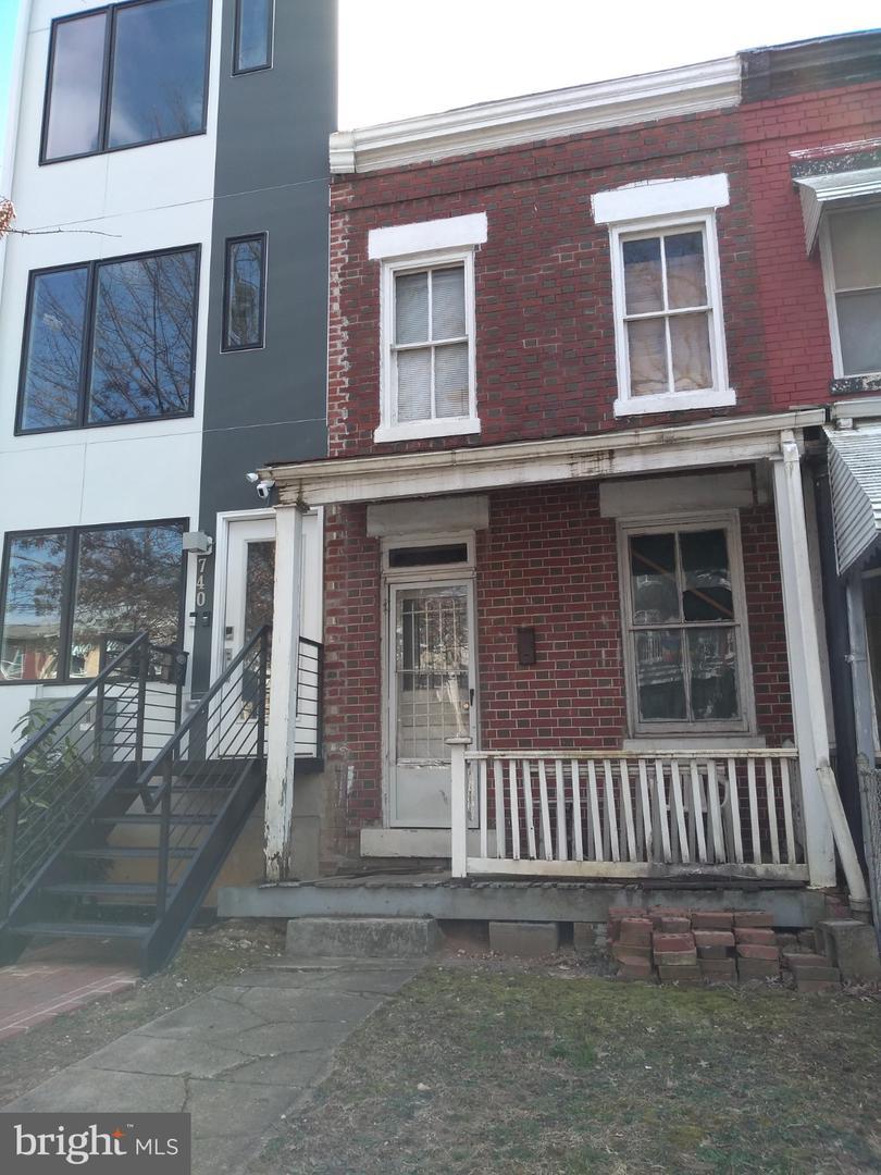 742 Irving St Nw Washington DC 20010