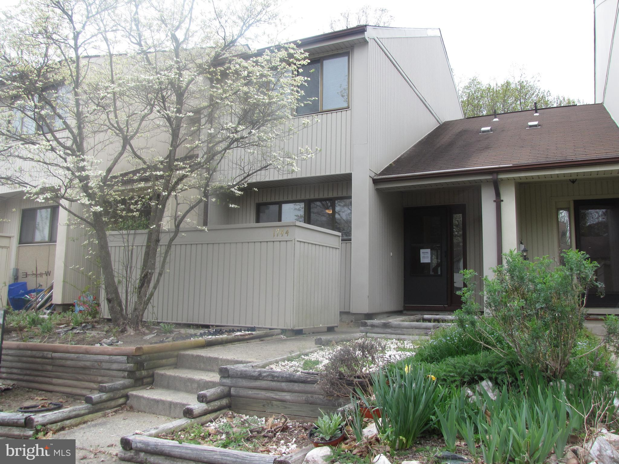 FULLY AVAILABLE 4-24-19.. HURRY! Exceptional Townhome in Rippon Landing. To submit an offer on the property for consideration, offers now going to propoffers in Pyramid. all cash of funds for closing. Fay Servicing is managing the sale of the property in this listing. Fay Servicing requires all prospective buyers seeking financing to prequalify with Fay Mortgage, its lending division, prior to submitting an offer on the property to establish that they will be able to obtain required financing. All non-cash offers should be submitted with a free prequalification letter from sellers preferred lender Fay Mortgage by contacting the loan officer Bruce Stewart who need a business purpose mortgage for bridge financing or to purchase a rental property may contact Constructive Loans LLC, an affiliate of Fay Servicing, Buyers are not required to obtain a loan from Constructive Loans, LLC to buy the property