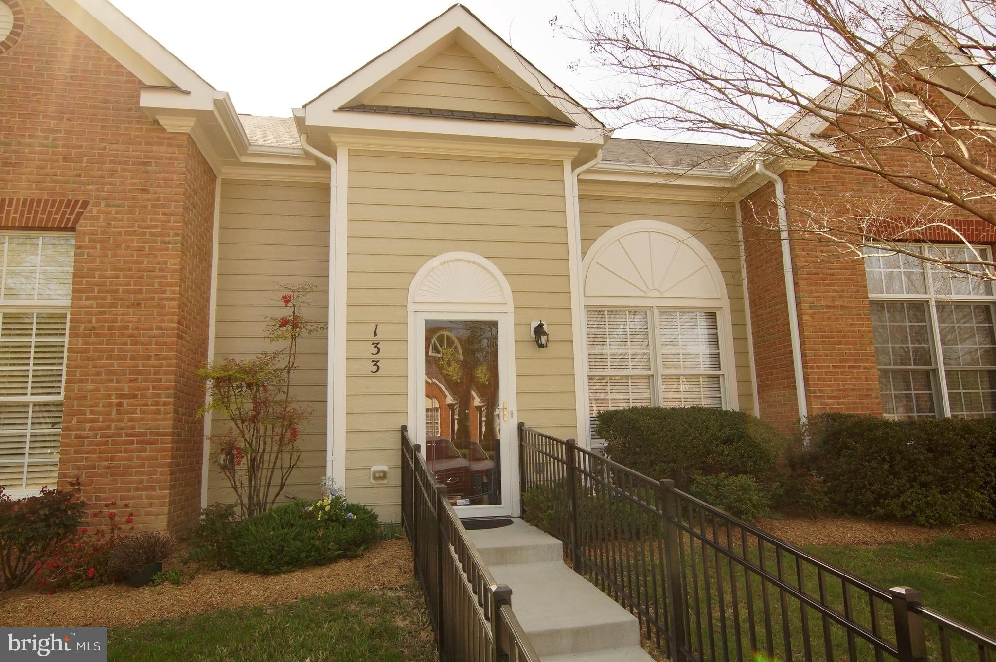 Move in ready 2 bedroom, 2 bathroom house, Hardwood Floors, Large Kitchen, Separate Dining Room, and Screened in Porch; located in La Plata in Washington Square 55+ community.  Monthly HOA fee of $143 which includes lawn, gutter cleaning, snow removal, exterior maintenance.  Close to Van Go Stops, Shopping, and Restaurants.  Hospital less than 5 miles away