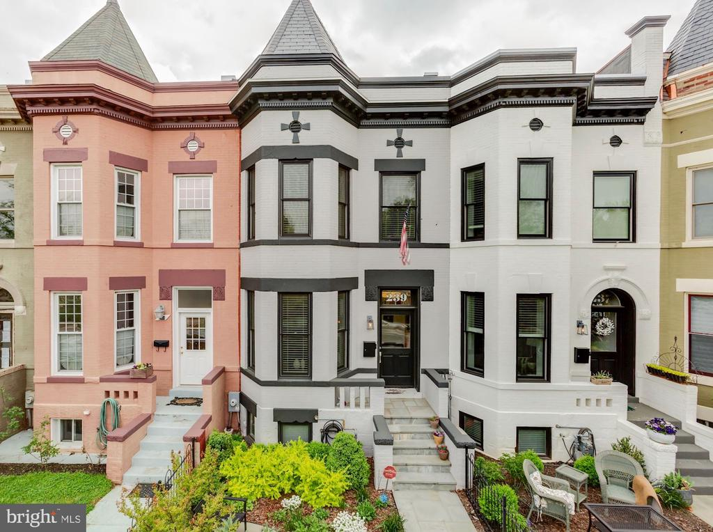 JUST LISTED & FIRST OPENS SAT & SUN, 4/27 & 4/28, 1:00 - 4:00 PM. Historic, Turn-of-the-Century townhouse completely rebuilt in 2016 by renowned builder CONNELL & SCHMIDT, offers nearly every amenity utilizing many of the finest materials available. Spectacular, open floorpan with 10'+ ceiling heights, bay window and sun-filled East and West exposures. 4 bedrooms + 3.5 luxurious baths + Den + Lower Level In-Law Suite. Charming front terrace, and expansive rear garden & terrace perfect for entertaining or family bar-b-que's. Gated, Two-car parking. Ideal location just 1.5 blocks from iconic Lincoln Park, Maury Elementary School and all that Capitol Hill has to offer.  Absolute Perfection!