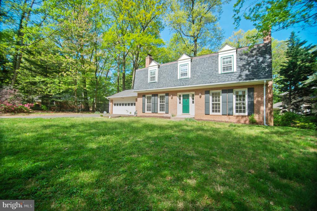 3296 Tilton Valley Dr, Fairfax, VA 22033