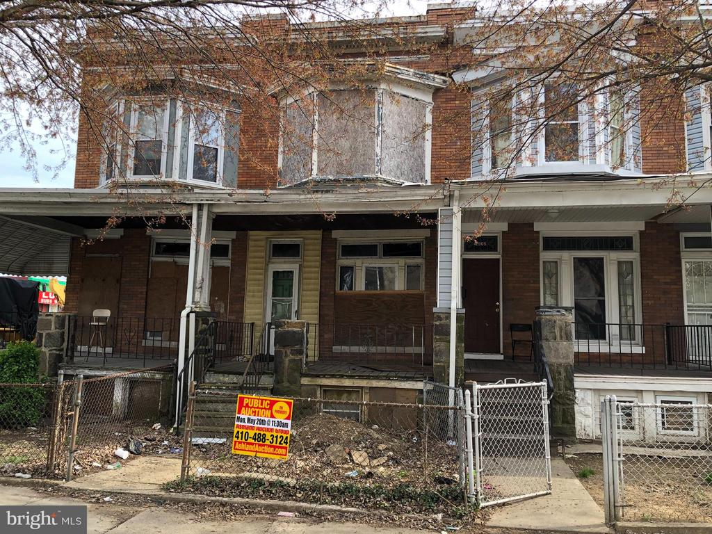 POST AUCTION DEAL: BUY NOW! 2 Story Townhome in Winchester. Property is Vacant. 10% Buyer's Premium. Deposit $2,000. For full Terms and Conditions contact auctioneer~s office.