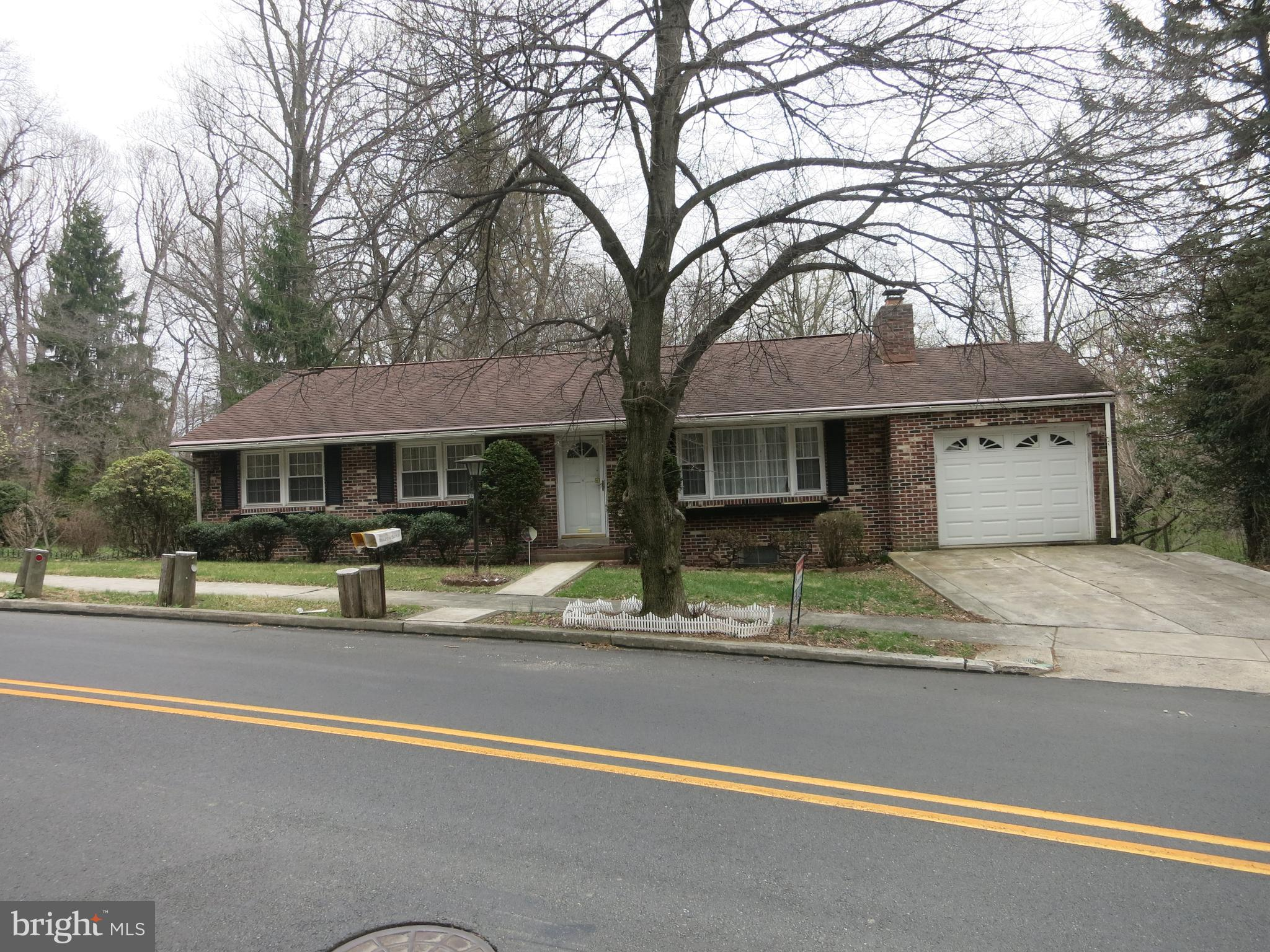 2020 HILL ROAD, READING, PA 19602